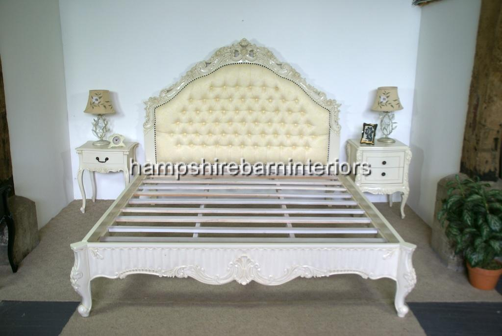 Victoriana Bed Upholstered In Cream With Antiqued Cream Frame Hampshire Barn Interiors