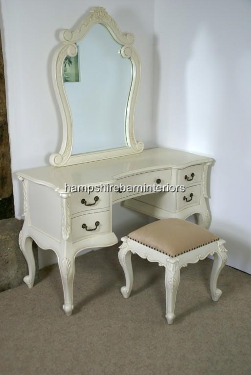 Great Antique Dressing Table 513 x 768 · 34 kB · jpeg