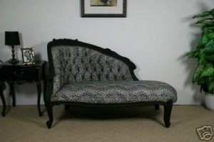 Black Small Chaise Longue