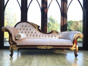 A A Beautiful Gold & Mahogany Hampshire Chaise with a creamy crushed velvet fabric New