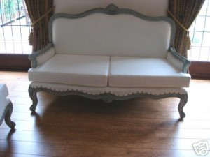 Ornate Neoclassical Chaise Longue