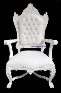 A DIAMOND TRONO ULTIMO DI DIAMANTE in white and creamy white faux leather upholstery KINGS THRONE