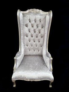 112 A SILVER LEAF ORNATE FEATURE HIGH BACK PORTERS ARM THRONE CHAIR IN SILVER GREY CRUSHED VELVET CRYSTAL BUTTONS